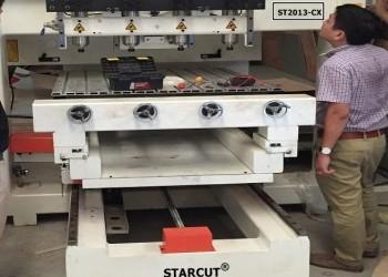 Máy CNC đục tượng 4 đầu tại Nhà máy gỗ MoreHome